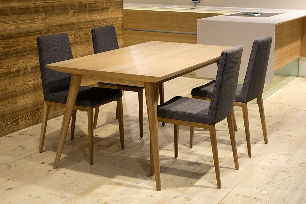 Jedálenský stôl BULLY so stoličkami 2017